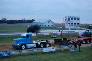 Truck Pull – Midwest Pride In Your Ride